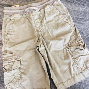 NWT Urban Pipeline boy cargo shorts M 10-12